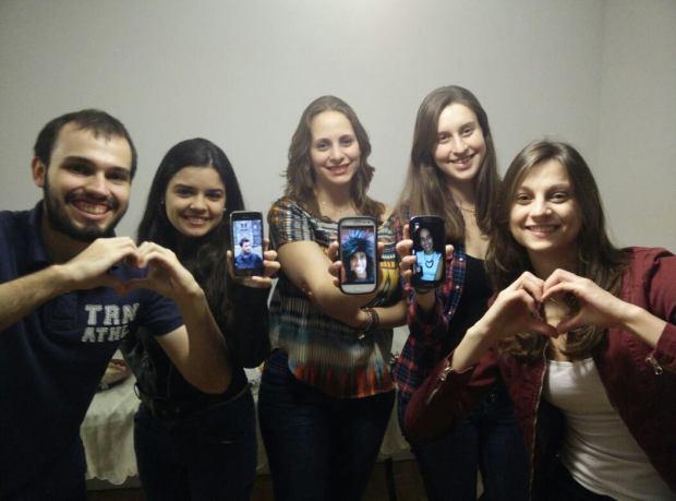 Até os amigos que estão no Brasil se fizeram presentes nas nossas fotos <3
