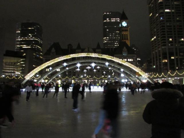 Rinque de patinação na Nathan Philips Square