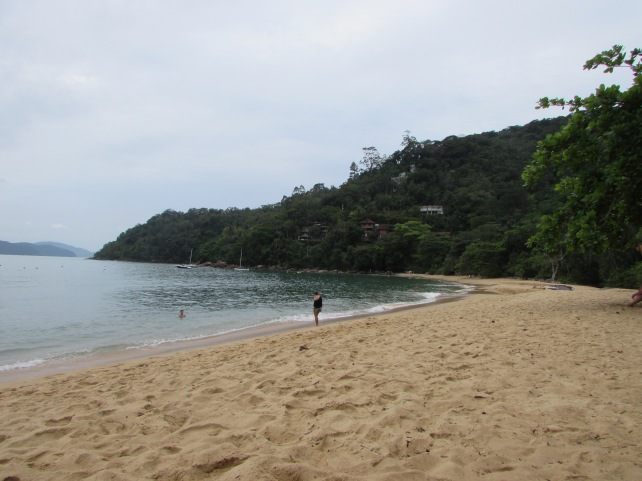 praia-vermelha-ubatuba-lembrancas-da-gabi-blog01