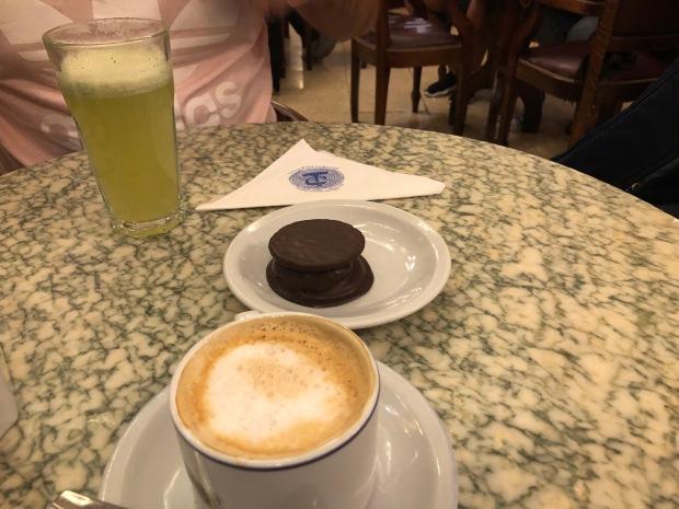 cafe-tortoni-lembrancas-da-gabi-blog